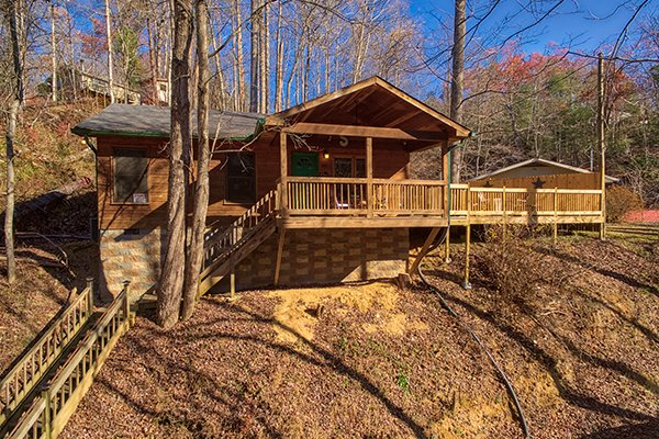 Stairs leading down to the parking area at Kabbe Bear Cabin, a 1 bedroom cabin rental located in Gatlinburg