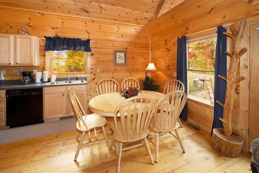 dining table for six at american dream a 2 bedroom cabin rental located in gatlinburg