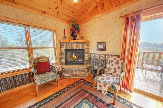 at fox n' socks a 3 bedroom cabin rental located in pigeon forge