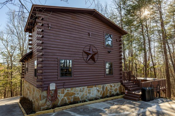 Eagle Watch Den, a 5 bedroom cabin rental located in Pigeon Forge
