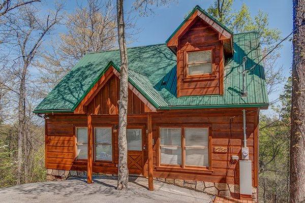 Lumber Jack Lodge, a 1 bedroom cabin rental located in Gatlinburg