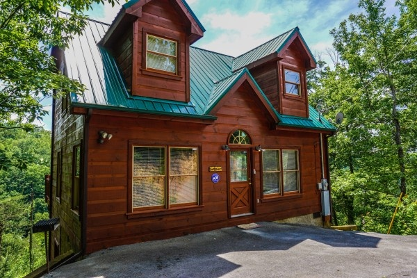 front door of deerly beloved a 1 bedroom cabin rental located in gatlinburg