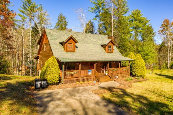3 Crazy Cubs, a 5 bedroom cabin rental located in Pigeon Forge