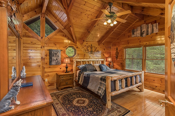at livin' lodge a 3 bedroom cabin rental located in pigeon forge