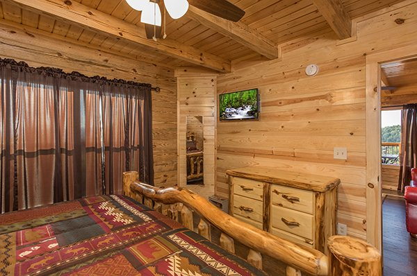Dresser and TV at The Sugar Shack, a 2 bedroom cabin rental located in Pigeon Forge