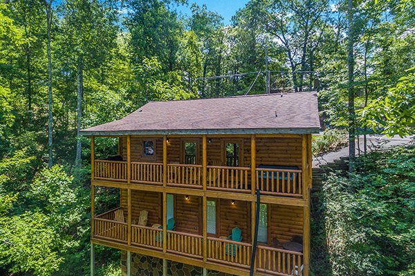 Tennessee Treasure, a 3 bedroom cabin rental located in Pigeon Forge