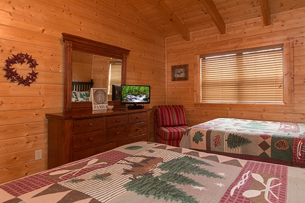 at let the good times roll a 2 bedroom cabin rental located in pigeon forge