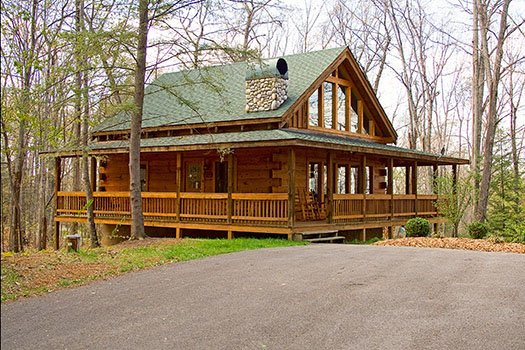 Exterior view of A Place to Remember, a 2 bedroom cabin rental located in Gatlinburg