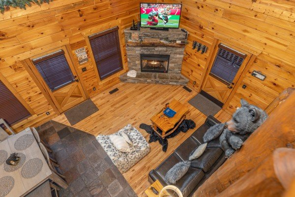 Aerial view of the living room at A Bear on the Ridge, a 2 bedroom cabin rental located in Pigeon Forge