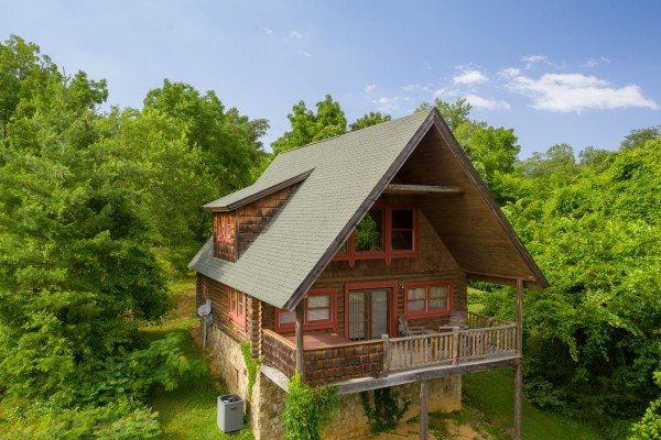 Drone view looking back at Romantical Rendeviews, a 1 bedroom cabin rental located in Pigeon Forge