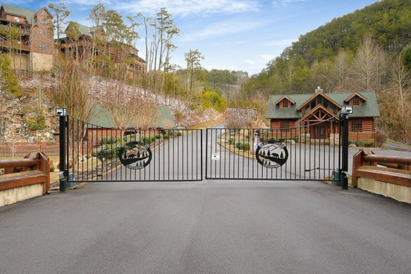 Bear Creek Crossing is a gated community, where you'll find Better View, a 4 bedroom cabin rental located in Pigeon Forge