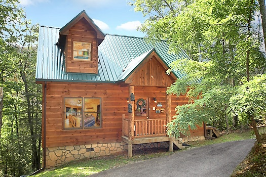 Front exterior view at 2 Lovin' Bears, a 1 bedroom cabin rental located in Gatlinburg