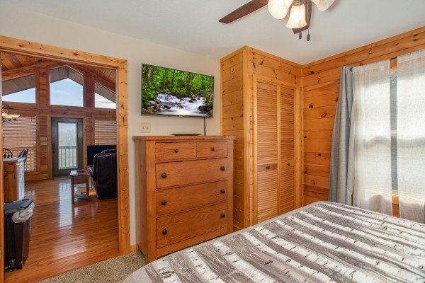 Dresser and TV in a bedroom at Secluded View, a 2-bedroom cabin rental in Pigeon Forge