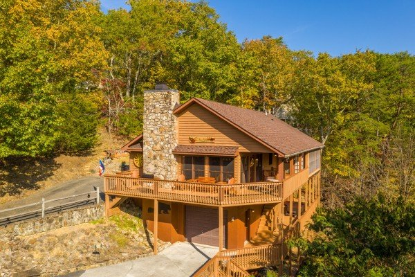 Lazy Bear Retreat, a 4 bedroom cabin rental located in Pigeon Forge