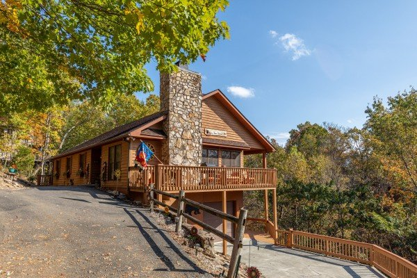 Close up view of cabin and driveway at Lazy Bear Retreat, a 4 bedroom cabin rental located in Pigeon Forge