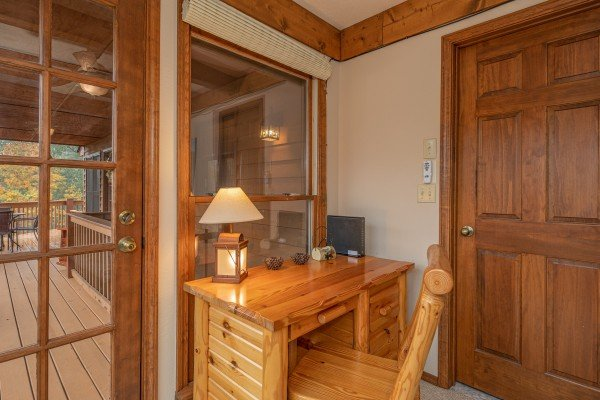 Computer desk at Lazy Bear Retreat, a 4 bedroom cabin rental located in Pigeon Forge