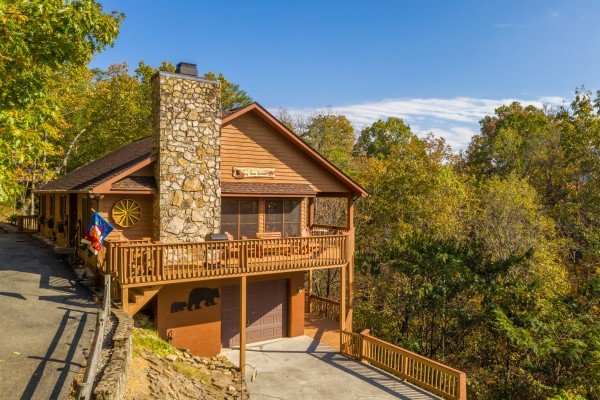Parking area at Lazy Bear Retreat, a 4 bedroom cabin rental located in Pigeon Forge