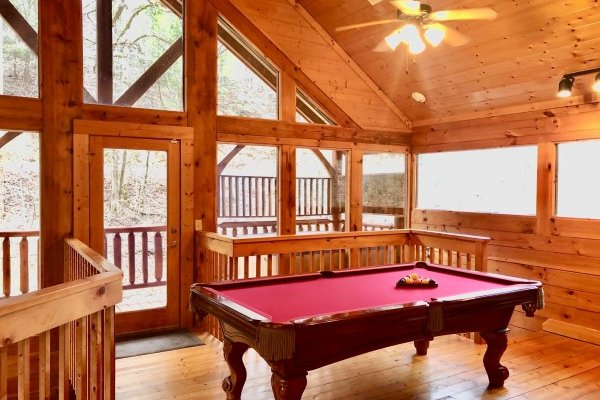at smokey max cabin a 2 bedroom cabin rental located in pigeon forge