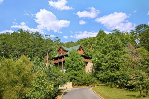 Looking up the street at Autumn Blessings, a 2 bedroom cabin rental located in Pigeon Forge