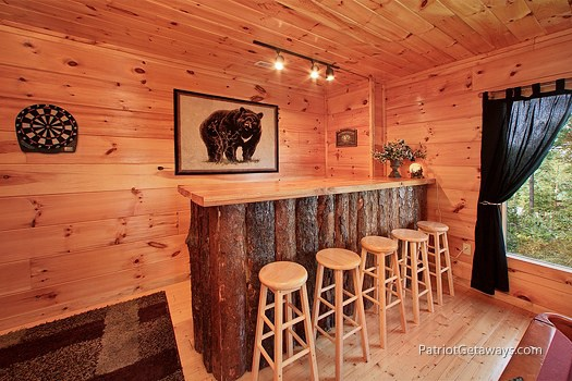 game room with bar at tranquility a 2 bedroom cabin rental located in gatlinburg