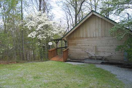 ramp up to front door at just us a 1 bedroom cabin rental located in pigeon forge