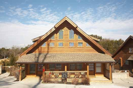 Hibernation Hideaway #745, a 2-bedroom cabin rental located in Pigeon Forge