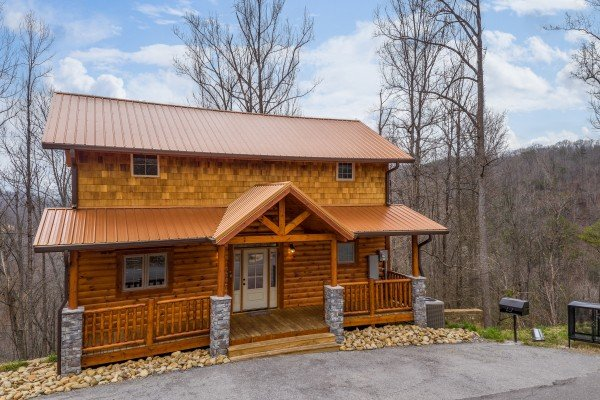 Cabin exterior at Happy Bear's Hideaway, a 2 bedroom cabin rental located in Gatlinburg