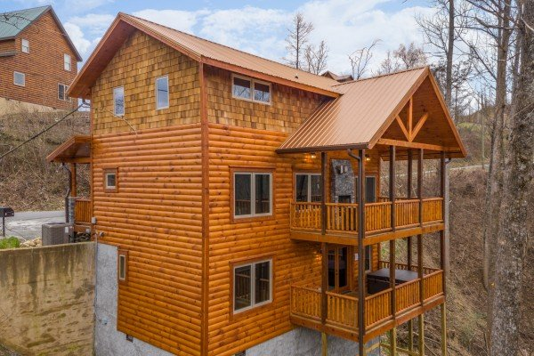 Rear exterior at Happy Bear's Hideaway, a 2 bedroom cabin rental located in Gatlinburg