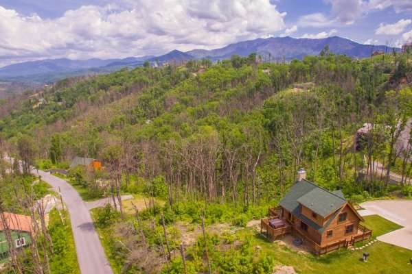 Moonlight Inn Gatlinburg, a 2 bedroom cabin rental located in Gatlinburg