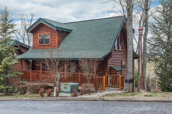 Heaven on Earth, a 2-bedroom cabin rental located in Pigeon Forge