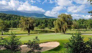 Gold course for guests at Heaven's Hill, a 3 bedroom cabin rental located in Gatlinburg