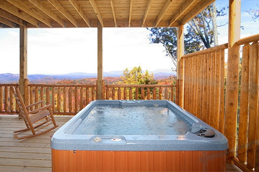 covered hot tub at moose mountain lodge a 4 bedroom cabin rental located in gatlinburg