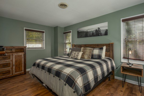 King bedroom at Rustic Retreat at Shagbark, a 2 bedroom cabin rental located in Pigeon Forge