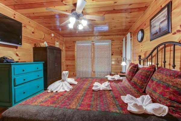 at firefly ridge a 2 bedroom cabin rental located in pigeon forge