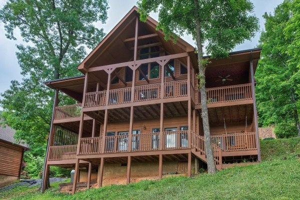 Valley View Lodge, a 3 bedroom cabin rental located in Pigeon Forge
