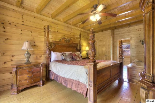 at easy livin' lodge a 8 bedroom cabin rental located in pigeon forge