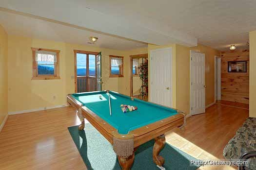 game room with pool table at sunset vista view a 1 bedroom cabin rental located in pigeon forge
