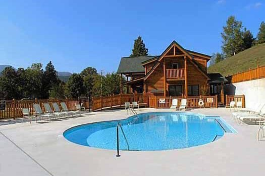 Outdoor pool at the resort at Bearfoot Lodge, a 5-bedroom cabin rental located in Pigeon Forge