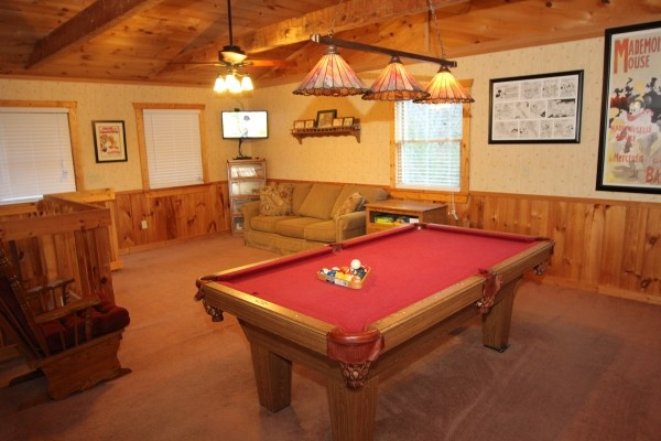 at mickey's playhouse a 2 bedroom cabin rental located in pigeon forge