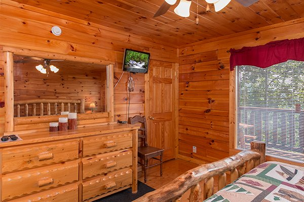 bedroom storage at a beautiful memory a 4 bedroom cabin rental located in pigeon forge