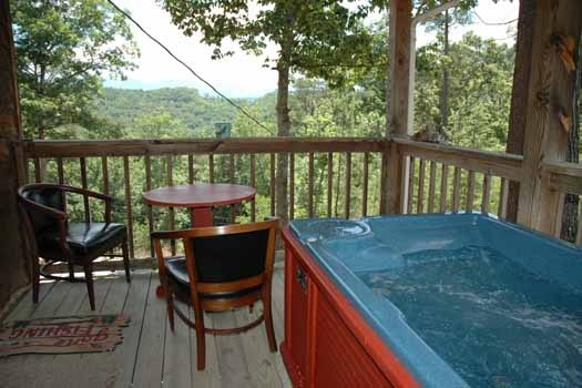 hot tub on the deck at i love view a 2 bedroom cabin rental located in pigeon forge