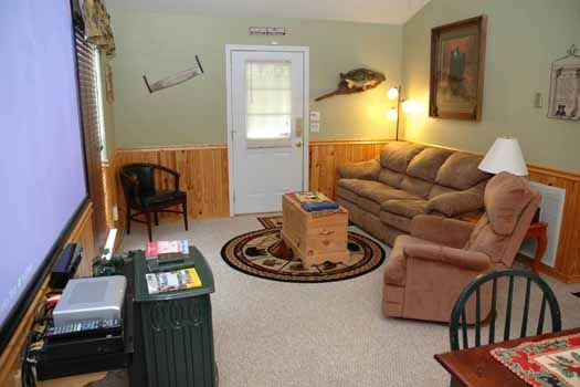 living room at i love view a 2 bedroom cabin rental located in pigeon forge
