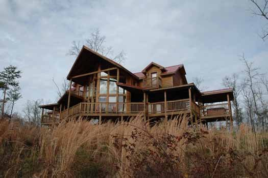 Four Seasons Lodge, a 3-bedroom cabin rental located in Pigeon Forge
