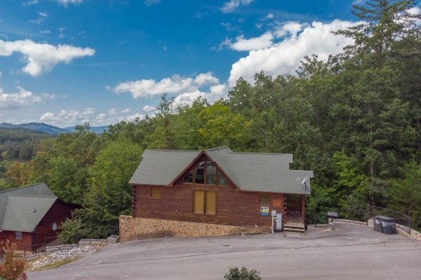 at family ties lodge a 4 bedroom cabin rental located in pigeon forge