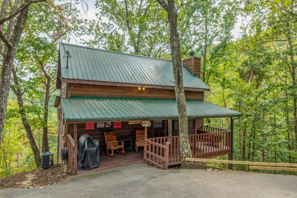 Misty Mountain Sunrise, a 3 bedroom cabin rental located in Pigeon Forge