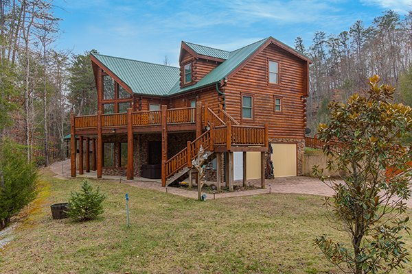 Smokies Paradise Lodge, a 5 bedroom cabin rental located in Pigeon Forge