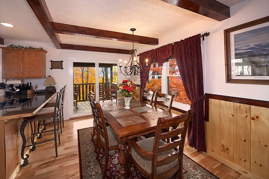 dining area at perfection! a 3 bedroom cabin rental located in gatlinburg