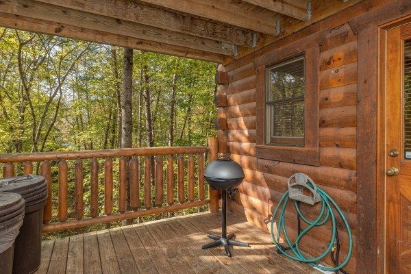Small electric grill at Silver Creek Cabin, a 1 bedroom cabin rental located in Pigeon Forge